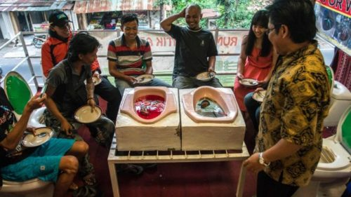 New loo-theme restaurant in Indonesia. Image from BBC.co.uk